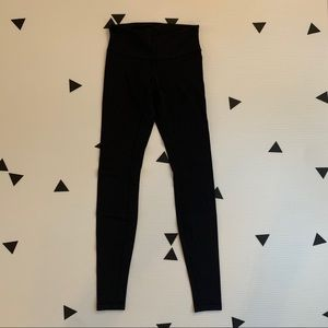 Lululemon 4 regular rise Wunder under black